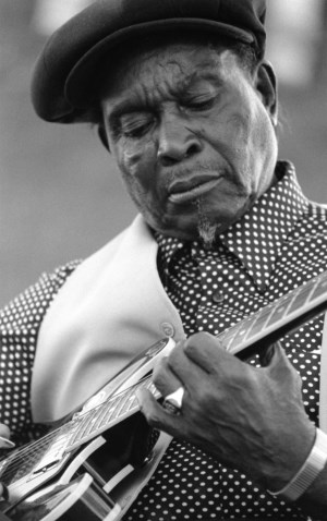 Delta Blues Guitarists & Their History | Earwig Music